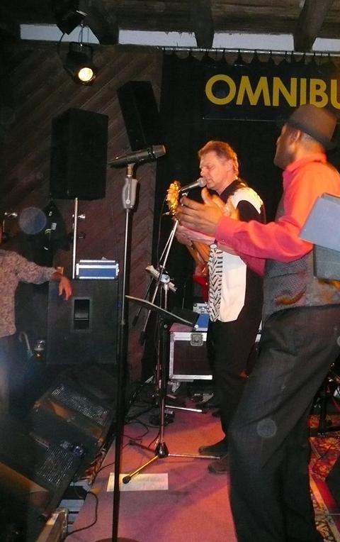 Die Sänger der Band Werner & CJ
